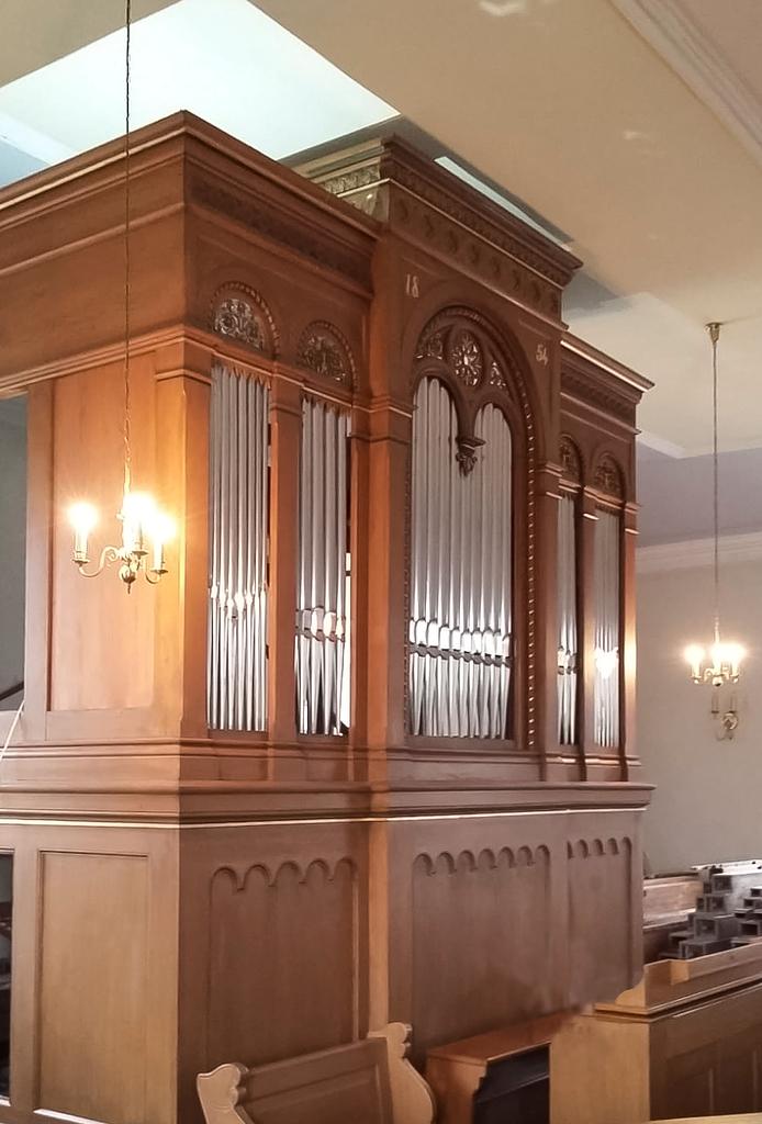 Orgel von E. F. Walker, 1854